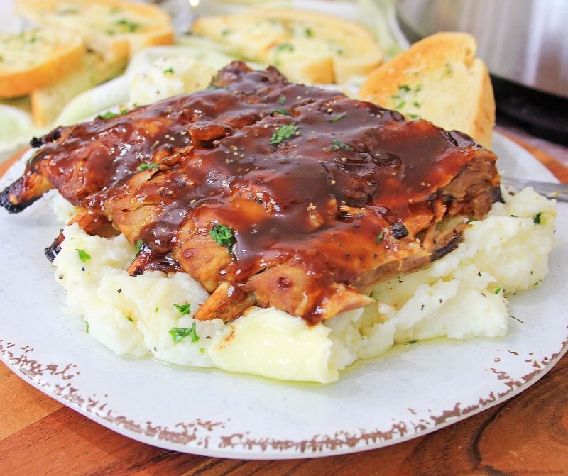 Instant Pot ribs & Garlic mashed potatoes on a plate