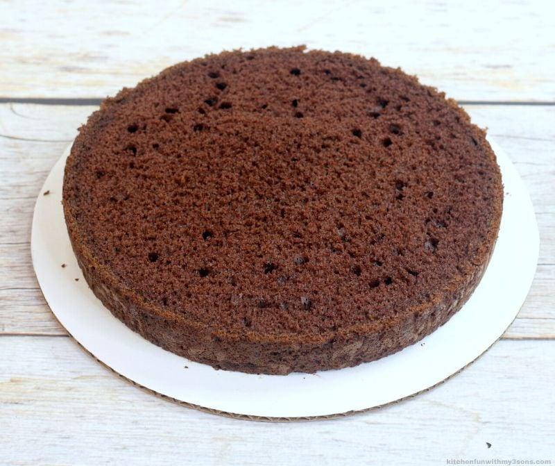 chocolate cake layer