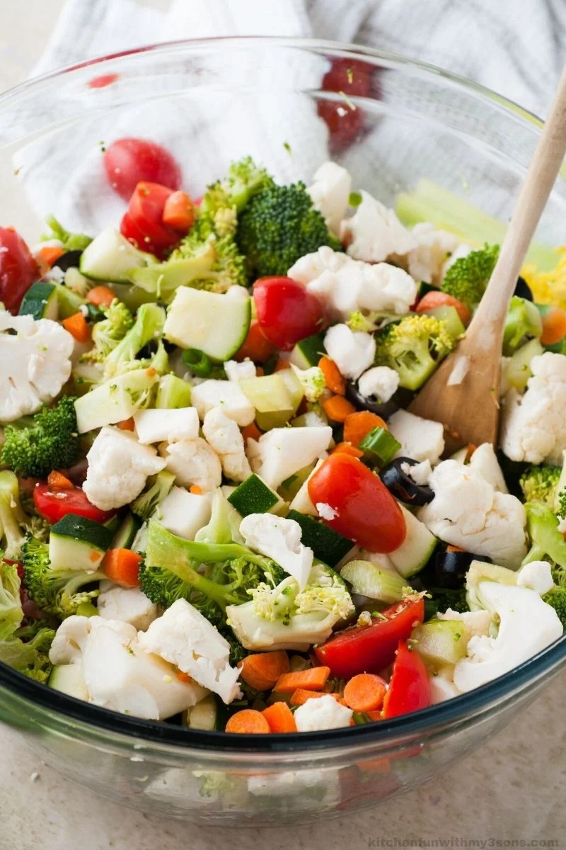 detox salad with homemade Italian Dressing