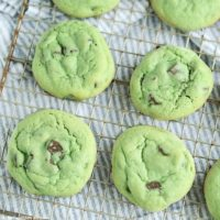 Mint Chocolate Chip Cookies {Video}