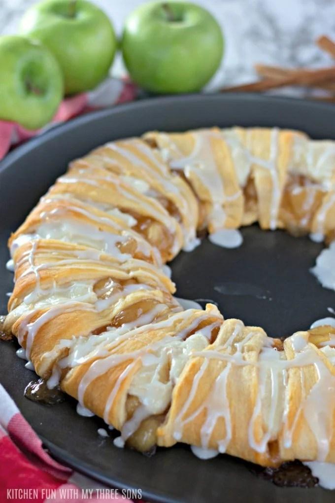 apple pie inspired breakfast danish