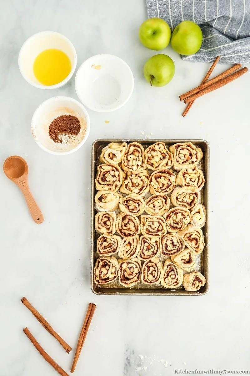 unbaked buns in a pan