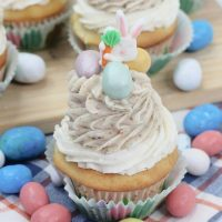 Robin Eggs Easter Cupcakes
