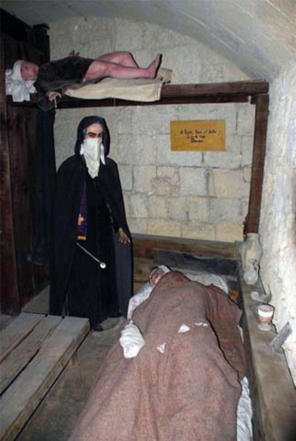 Inside The Medieval Torture Museum 21 Photos Klyker Com