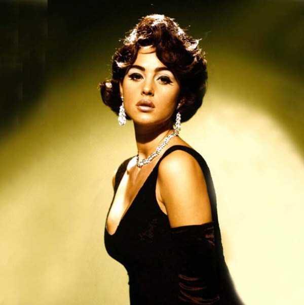 Beautiful Monica Bellucci In 1991 Klyker Com
