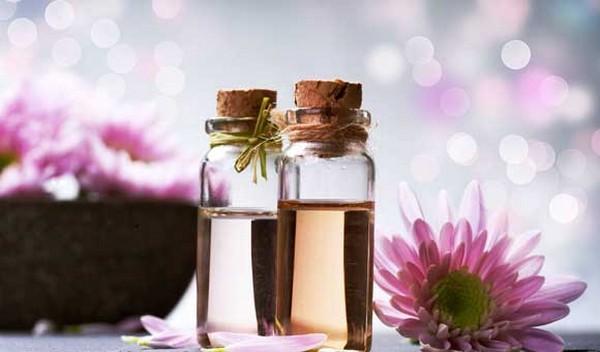 Эфирные масла – отличное средство для борьбы с морщинами