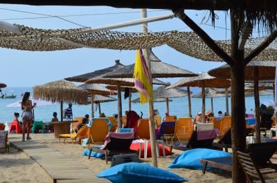 Island beach bar Φλογητά Χαλκιδική πληροφορίες λεωφορείο