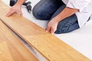 [Istruzioni] Laminato sul pavimento in legno fai da te: una descrizione completa del processo. Schemi di posa che i materiali dovrebbero essere utilizzati (foto e video) + recensioni