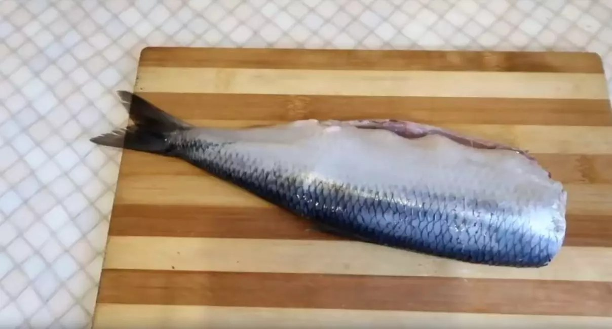 Gutted carcass ng herring