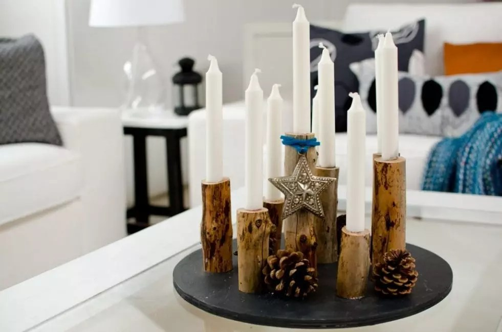 Plus gagnant des bougies longues regardent dans la composition solide