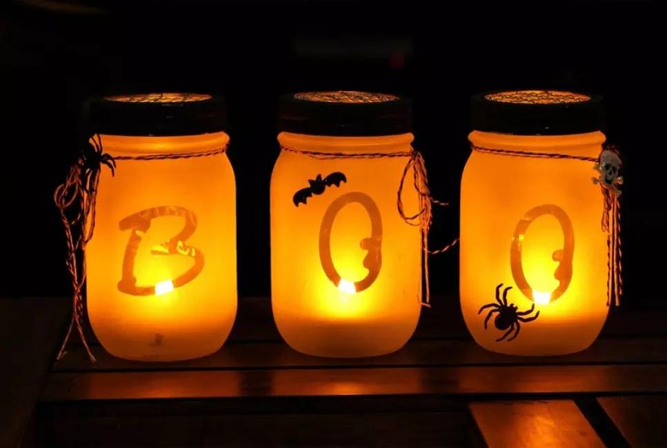 Ұнамды жарықтандыру үшін сіз банктерді Хэллоуин стилінде ұйымдастыра аласыз