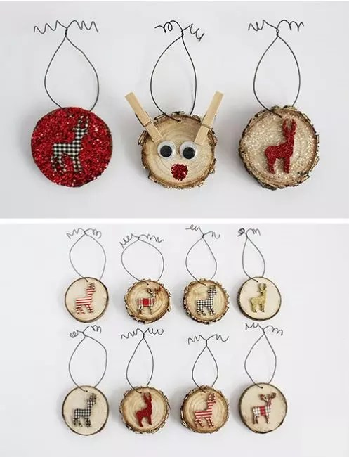 And again deer, and they are on the spikes. Such a village christmas! Animal images can be cut from fabric, cardboard, felt