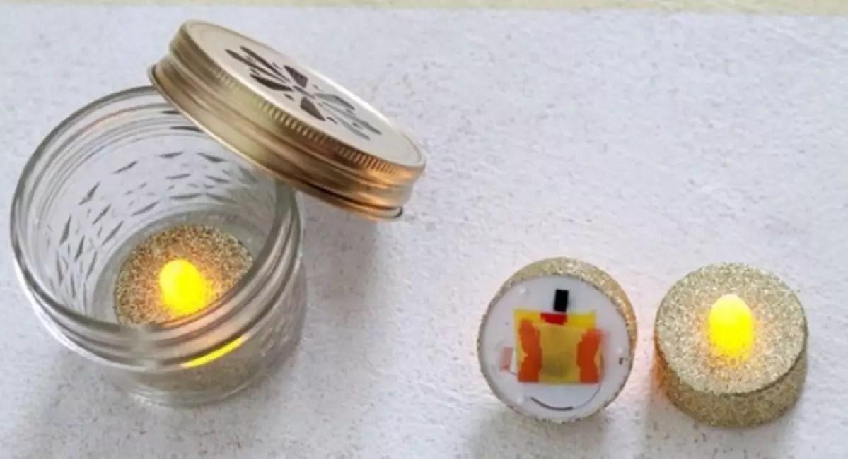 Свеча внутри банки