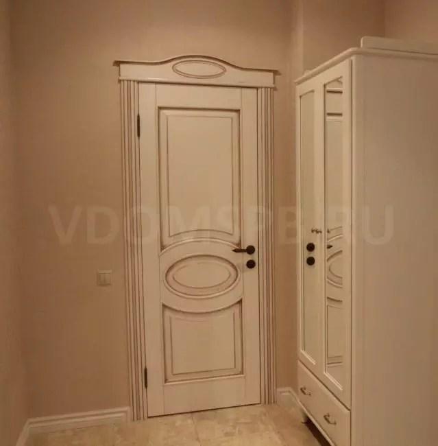 Dörren från arrayen av alder med en patina mutter