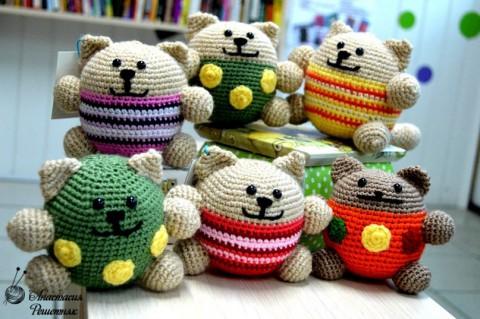 ধাপে ধাপে বর্ণনা, কিভাবে একটি বৃত্তাকার বিড়াল crochet (বিড়াল - অ্যান্টিস্ট্রেশন) টাই