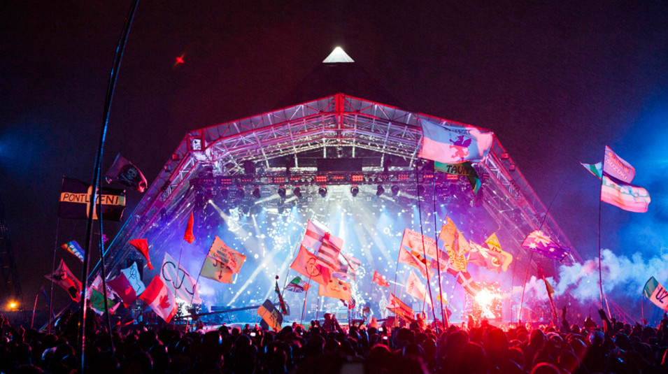 20 Sets That Shook Glastonbury The Stories Behind Worthy