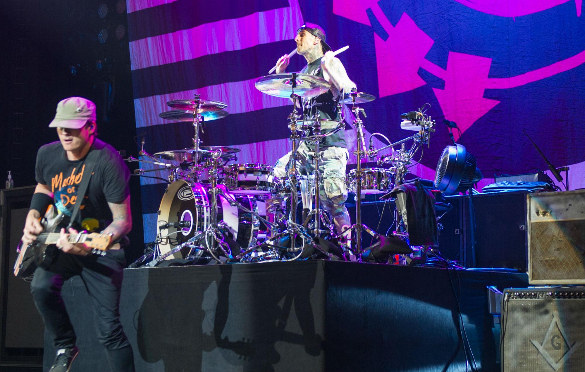 Blink 182 S Tom Delonge Won T Rejoin The Band After Travis