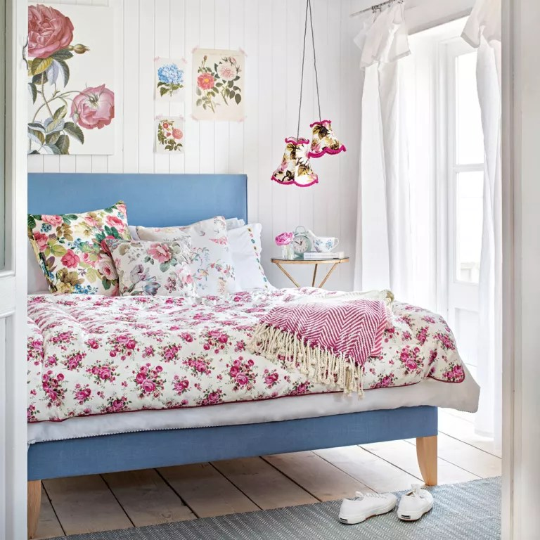 Shabby chic bedrooms | Ideal Home