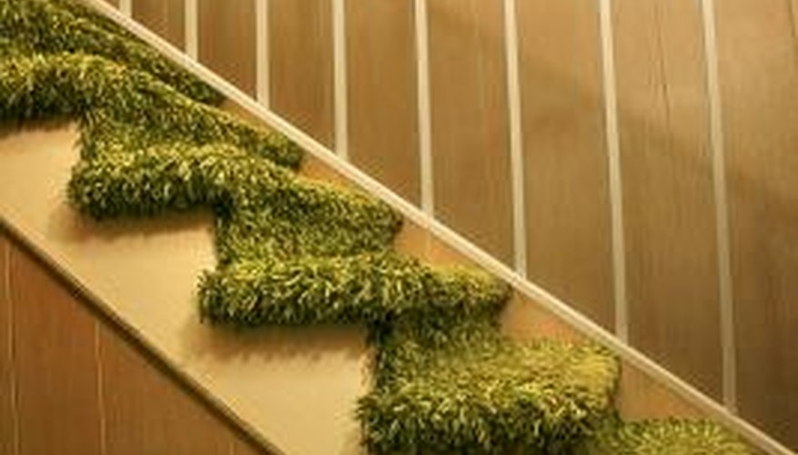 How To Change The Carpet On Stairs Home Guides Sf Gate   Putting Carpet On Stairs   Design   Wear And Tear   Commercial   Stair Turned   Step