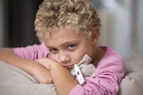 Po 5 hlubokých dechech je nutné dramaticky zpozdit jejich dýchání a namáhání lisu a otvoru. Cvičení se opakuje 7krát, pak teplota může dosáhnout 37,3 stupňů
