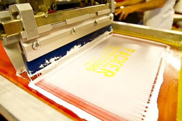Custom Screen Printed graphics on Apparel  Quality screen printing     screen print t shirt