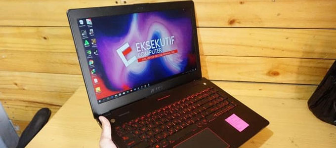 Laptop ASUS ROG G56JR (sumber: Tokopedia)