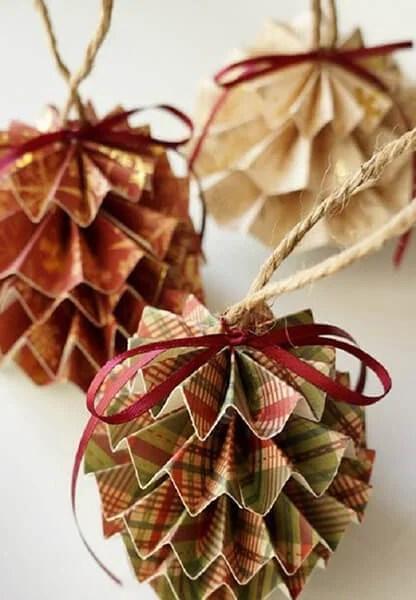 Julgranleksaker på julgran med egna händer: Vad kan man göra för det nya året Elochnaya igrushka svoimi rukami 48
