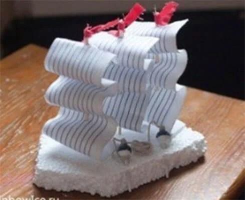 船舶为儿童:使用方案创建的各种方式和描述Korabl Svoimi Rukami 111