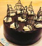 Dekoratif elemanları ile pasta