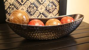 Boat Shaped Dish Bowl With Four Accent Balls : Leoque