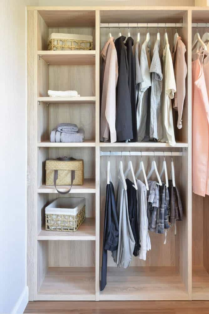 5 Easy Tips For Spring Cleaning Your Closet