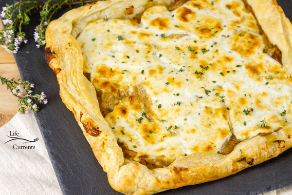 French Onion Tart - fancy, vegetarian, goat cheese, caramelized onions