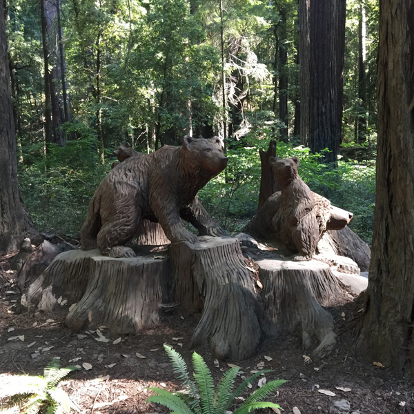 bears carved into a tree stump