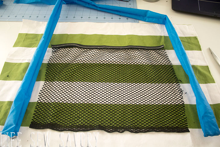 mesh pocket on beach bag