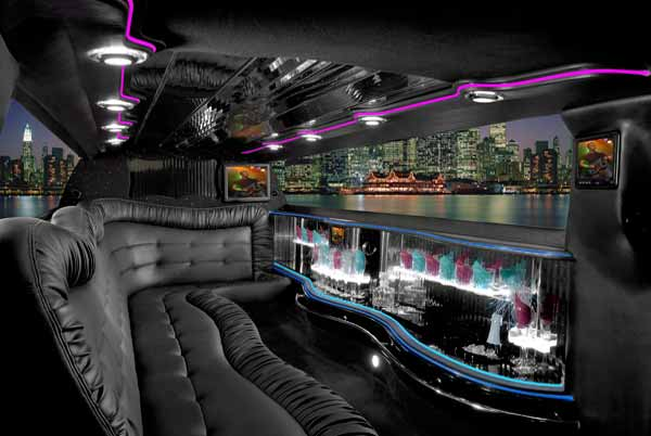 Limo Service Marion  INDIANA   Cheap Limos   Party Buses For Rent Chrysler 300 limo interior Marion