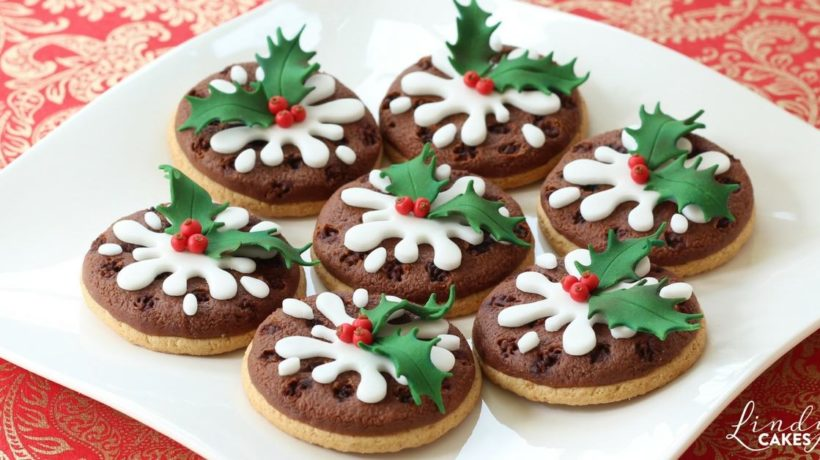 cake decorating magazine Archives   Lindy s Cakes Ltd Bake yourself a very merry Christmas     Lindy s Christmas pudding cookies  feature on magazine cover
