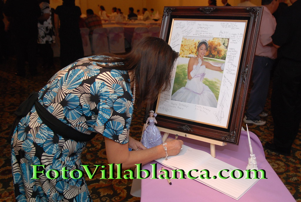 Quinceanera Quince Anos 15 Anos Sign Up Picture With Wood