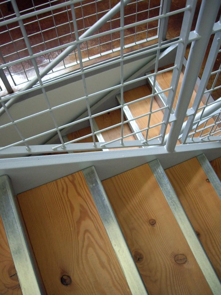 Wire Mesh Stair Railing Infill Lehua Mc Flickr | Wire Mesh Stair Railing | Exterior Perforated Metal | Galvanized Mesh | Staircase | Modern | Mesh Balustrade