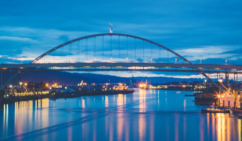 Fremont Bridge Sunset Portland The Fremont Bridge Over Th Flickr