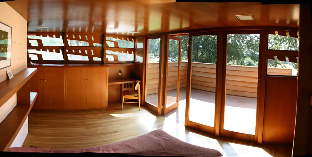 A Frank Lloyd Wright Bedroom Inside The Frank Lloyed