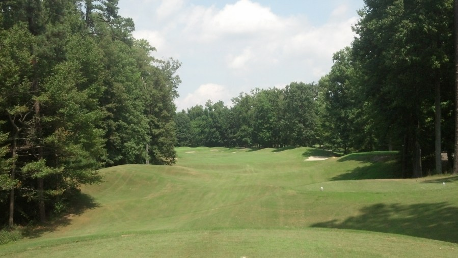 Golden Horseshoe Golf Club  Green Course  Williamsburg  VA on 08 16     It doesn t really open up down the left side so make sure to favor the  right side off the tee  A miss over there could catch the mounding and end  up just