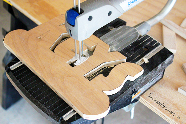Complete the cutting of the DIY Key Holder