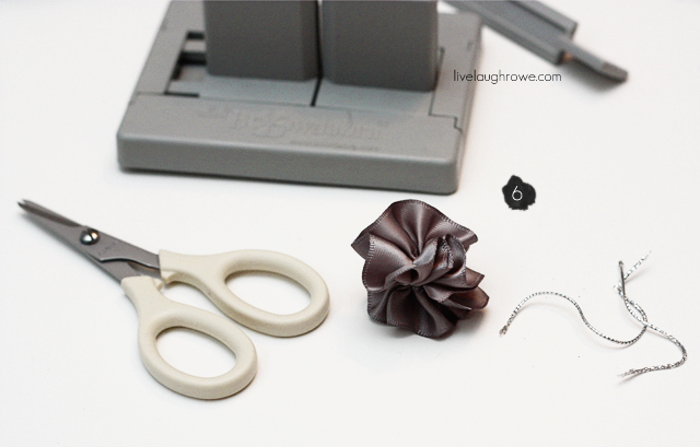 Steps to making Mini Scrunchy Bows using the Bowdabra at livelaughrowe.com