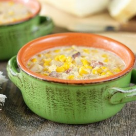Delicious and Simple! This Slow Cooker Corn Chowder is a must try! www.livelaughrowe.com