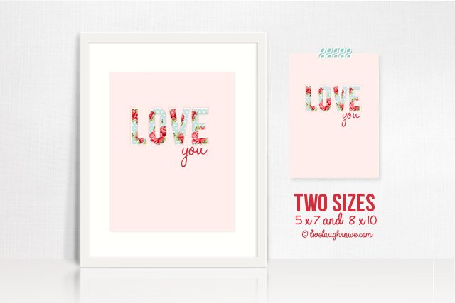 """Love this shabby chic printable that says, """"Love you!""""  www.livelaughrowe.com #printable #shabbychic"""