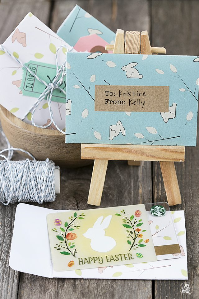 Adorable printable gift card holders for Easter! Embellish with washi tape, gift tags and more. Add coins for the kiddos too. livelaughrowe.com