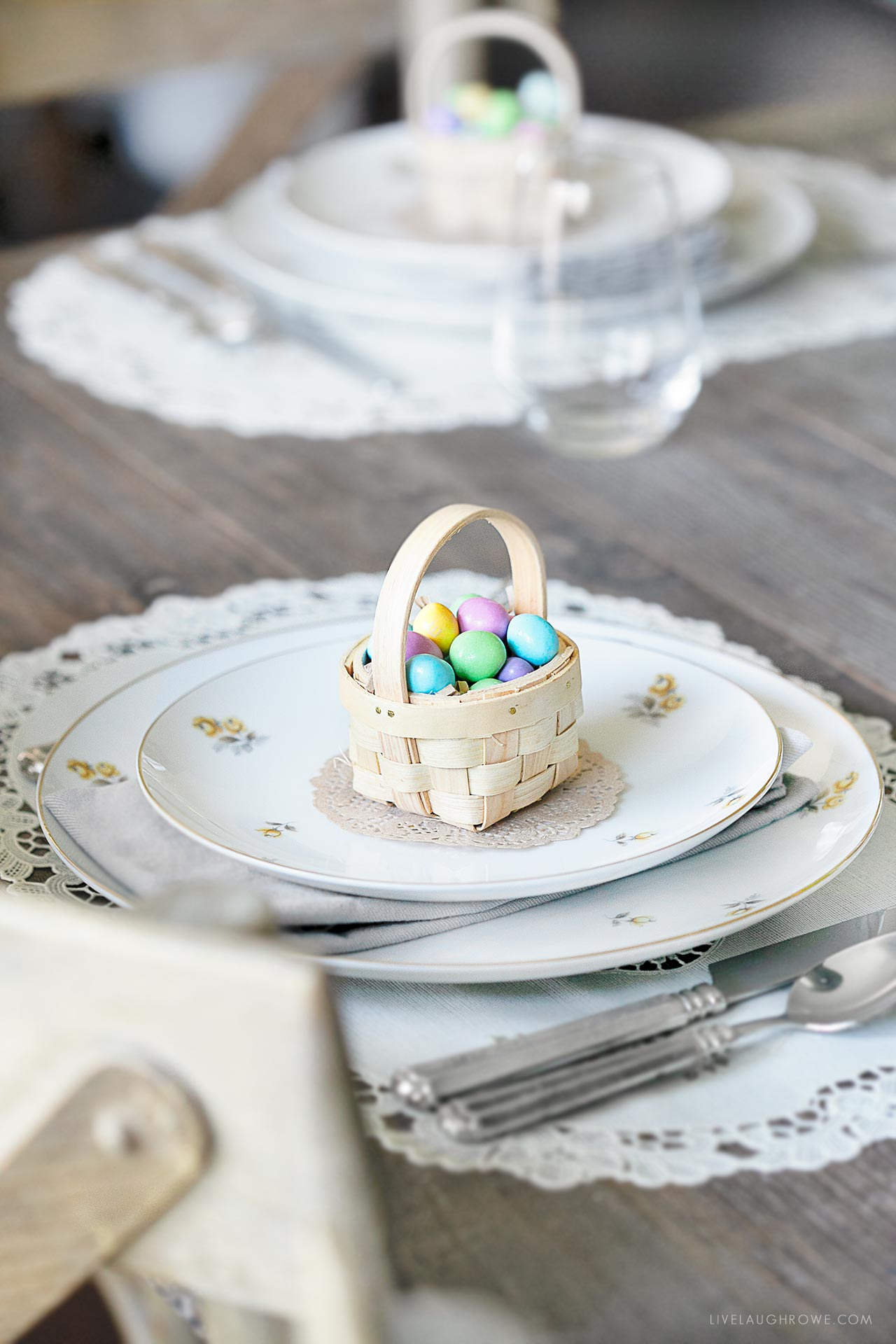 Easter Sunday Table Setting