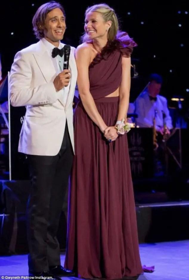 Iron Man Actress Gwyneth Paltrow & Brad Falchuk Married ...