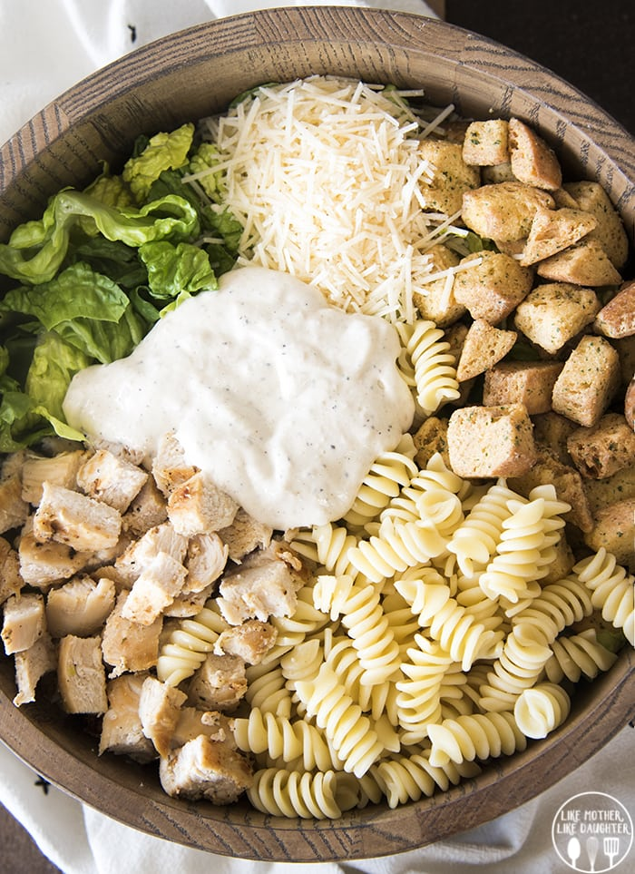 Chicken Caesar Salad with pasta is a delicious mix of pasta salad and chicken Caesar salad and is perfect for lunch or a light dinner!