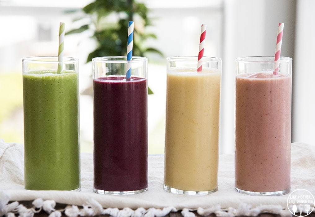 How to Make a Fruit Smoothie with only 4 ingredients, its perfect for breakfast or a snack!